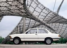 BMW 3 Series Coupe (E21) - 1975, 1976, 1977, 1978, 1979, 1980, 1981, 1982, 1983 - autoevolution. Second one...