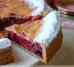 Creamy red fruit pie by tdanieau Fruit Tart, Red Fruit, Sweet Recipes, Cake Recipes, Dessert Recipes, Dessert Aux Fruits, Sweet Pie, No Cook Desserts, Savoury Cake