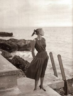 Grace Kelly watching the sea