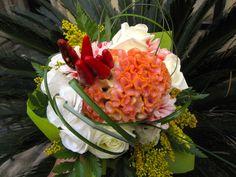 bouquet con gelosia ,eustoma e peperoncino.
