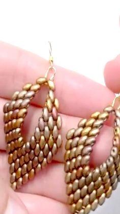 Beaded Earrings Patterns, Beaded Brooch, Bead Earrings, Beaded Necklace, Super Duo, Handmade Beaded Jewelry, Earring Tutorial, Bead Jewellery, Beading
