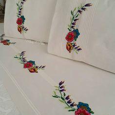 Baby Knitting Patterns, Bed Sheets, Dress Patterns, Bedroom Decor, Cross Stitch, Pillows, Sewing, Crochet, Handmade