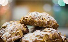 Delicious almond croissants from Essence Café Almond Croissant, French Desserts, Cafe Food, Croissants, Bon Appetit, Breakfast Recipes, Artisan, Lunch, Cookies