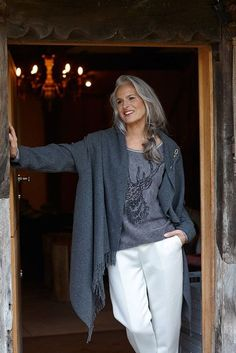 A great midlife chic outfit for unbeatable style and comfort.