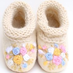 """""""Little Roses"""" Adorable Handmade Felted Shoes 100% lamb wool size 2 #thewoolentree #babysshoes #felting #cute #adorable #booties #handmade #roses #ribbons"""