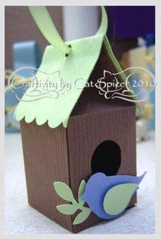 Woodgrain birdhouse from Mini Milk Carton Die Stampin' Up!