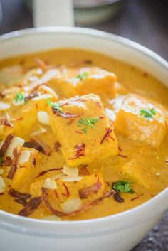 Shahi Paneer is soft, delectable pieces of paneer cooked in a rich creamy base of almond and cashew. It tastes delicious with roti or rice. Paneer Curry Recipes, Shahi Paneer Recipe, Masala Recipe, Healthy Recipes, Vegetarian Recipes, Vegan Meals, Easy Cooking, Cooking Recipes, Indian Veg Recipes
