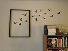 Ideas para decorar la pared de tu casa: Jugar con los marcos y vinilos de pared                                                                                                                                                                                 Más