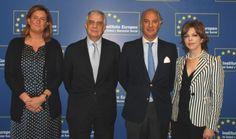 via @ aec_es Firma del acuerdo entre la AEC y el Instituto Europeo de Salud y Bienestar Social