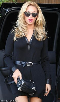 Beyonce's blonde hair keeps getting blonder but i think i like this better than some of her other shades...