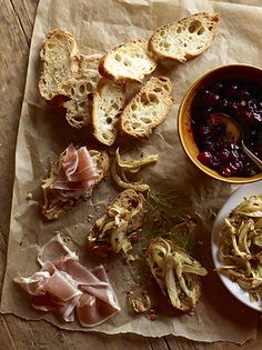 Crostinis with Prosciutto and Cranberry / Parchment paper as a serving tray