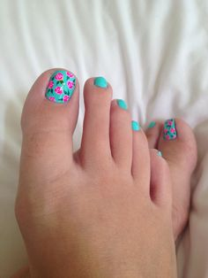 Summer toes :)