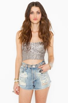 this would look so cute with my white chiffon mini skirt and my army green oversized denim shirt ahhhh