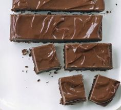 Alex's mega brownies % acid reflux recipes in detail - looks delicious Köstliche Desserts, Delicious Desserts, Yummy Food, Gooey Brownies, Chocolate Brownies, Chocolate Icing, Cheesecake, Bbc Good Food Recipes, Brownie Bar