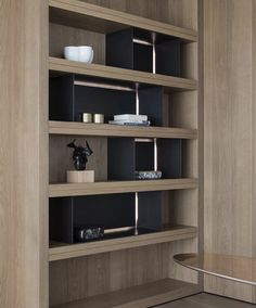 Bookshelf Design, Bookshelves, Bookcase, Built In Wall Units, Home Office Decor, Home Decor, Cabinet Furniture, Display Boxes, Joinery