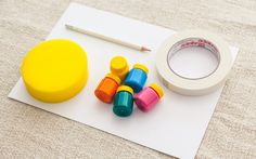 Técnica 'Molde com fita crepe': você vai precisar de papel canson, fita crepe, tinta guache, esponja e lápis. Foto: Edu Cesar
