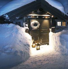 Solid tømmerhytte i real snøstorm - Vakre Hjem & InteriørVakre Hjem & Interiør