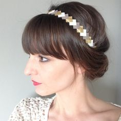 """Head-band en cuir """"graphique""""  coloris or-taupe-Jaune accessoire cheveux pour femme"""