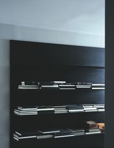 :: STUDIOS :: Load It Porro Italy. One of my favourite shelving wall systems, makes for a beautiful wall of book display. Inspiration for loft studio library wall. Black Bookshelf, Bookshelves, Simple Bookshelf, Black Shelves, Interior Architecture, Interior And Exterior, Library Wall, Loft Studio, Shelves In Bedroom