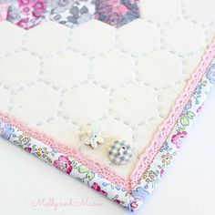 There's a NEW mini quilt pattern coming really soon, and I wanted to share another little sneak peek of it. Think Liberty, hexies, lace and hand-quilting. I'm looking for a few makers to sew samples too! Mini Quilt Patterns, Sewing Patterns, Sewing Ideas, Liberty Fabric, English Paper Piecing, Mini Quilts, Hand Quilting, Diy Tutorial, Fabric Crafts