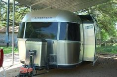 2009 Airstream Classic Limited 30SO for sale by owner on RV Registry http://www.rvregistry.com/used-rv/1009899.htm