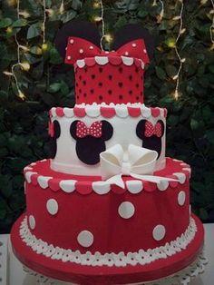 bolo cenográfico minnie (fake / falso) (em eva/isopor) Bolo Fake Minnie, Torta Minnie Mouse, Bolo Fake Eva, Minnie Mouse Cookies, Mickey Mouse Cake, Minnie Mouse Cake, Minnie Mouse Birthday Decorations, Minnie Birthday, Bolo Fack