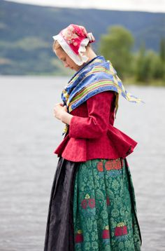 Portrait of a young woman, wearing traditional clothes, Norway © Laila Duran Folk Costume, Costumes, Bridal Cape, Travel Clothes Women, Swedish Design, Textiles, Traditional Dresses, Norway, Scandinavian