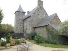 Dinan 22100 Gorgeous manor house - 2 bedroomed on smallish but beautiful garden French Property, House 2, Beautiful Gardens, Brittany, France, Mansions, Elegant, House Styles, Building