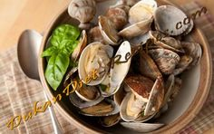 Garlic Clams that work for every phase of Dukan including Attack and Pure Protei. Garlic Clams that work for every phase of Dukan including Attack and Pure Protein Garlic Dukan Diet Recipes, No Carb Recipes, Veggie Recipes, Fish Recipes, Veggie Food, Dukan Diet Phases, Dukan Diet Attack Phase, Vegetarian Cooking, Vegetarian Recipes