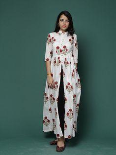 Off White Red Floral Mandarin Cotton Cape Ethnic Fashion, Indian Fashion, Boho Fashion, Fashion Dresses, Fashion Design, Ladies Fashion, Kalamkari Designs, Kurta Designs, Blouse Designs