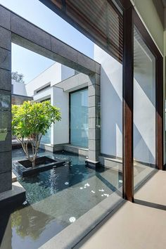 Center Court Villa by DADA Partners