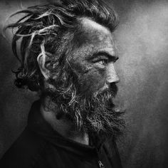 Lee Jeffries is a masterful photographer when it comes to capturing emotion, rawness and using contrast in a mind blowing way #photography