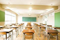 [実施期間:2014年8月18日〜2014年8月28日]公立小・中学校の教室にエアコンを設置することについて、地域によって是非が分かれています。あなたは教室へのエアコン設置の是非の意見をふまえたうえで、どう思いますか?