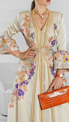 Caftan Indian Fashion Dresses, Abaya Fashion, Kimono Fashion, Morrocan Kaftan, Arabic Dress, Mode Abaya, Hippy Chic, Caftan Dress, Oriental Fashion
