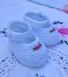 SANDALIAS DE 8 CM PARECIDAS, NO IGUALES Blanca con flor y Blanca con ondas Las instrucciones que son diferentes entre ...