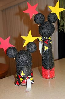 DIY Mickey Mouse decorations for Birthday Party Mickey Mouse Birthday Theme, Mickey Mouse Parties, Mickey Party, Birthday Fun, 1st Birthday Parties, Carnival Birthday, Birthday Ideas, Disney Party Decorations, Mickey Mouse Decorations