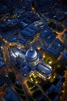 In the heart of London nestled the awe-inspiring Saint Paul's Cathedral. (By Corbis)