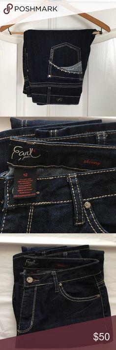 """SALE! EARL JEANS Skinny dark wash Embellished pocket dark wash skinny jeans with contrast stitching. 32"""" inseam, 13.5"""" leg opening. Earl Jeans Jeans Skinny"""