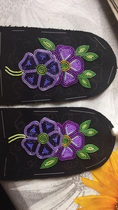 uppers/vamps dene traditional First Nations flowers Native Beading Patterns, Bead Embroidery Patterns, Beadwork Designs, Native Beadwork, Native American Beadwork, Beaded Jewelry Patterns, Hand Embroidery Designs, Beaded Embroidery, Beaded Moccasins
