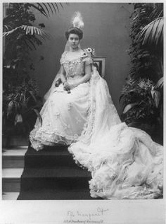 June 1905 : Princess Margaret of Connaught &  Adolf, Crown Prince of Sweden (became King on 29 Oct 1950.)