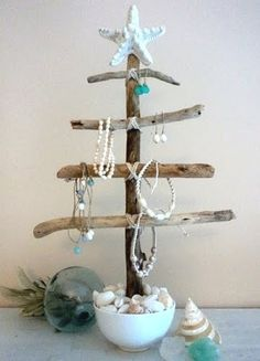 driftwood turned jewelry holder - and seasonal item and way to use all those shells I've collected