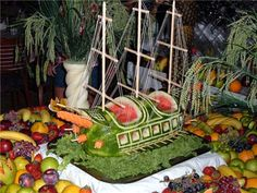 Pirate ship watermelon carving with masts, sails, and fruit! Watermelon Festival, Watermelon Art, Watermelon Carving, Carved Watermelon, Veggie Art, Fruit And Vegetable Carving, Edible Crafts, Edible Art, Pirate Ship Watermelon