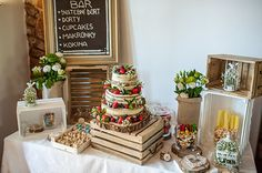 Cupcakes, Table Decorations, Desserts, Food, Tailgate Desserts, Cupcake Cakes, Deserts, Essen, Postres