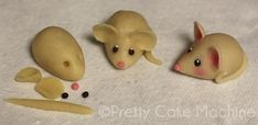 Recipe/Tutorial: Homemade Marzipan and Marzipan Mice inspired by Ser Pounce Polymer Clay Ornaments, Sculpey Clay, Polymer Clay Miniatures, Polymer Clay Projects, Ganpati Decoration Design, Clay Ganesha, How To Make Clay, Cute Clay, Pottery Sculpture