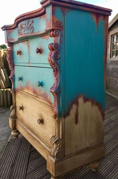 DIY furniture with chalk paint. Using Annie Sloan Provence on top and natural wood finish on bottom and blending in the middle. Interesting ways to refinish and repurpose furniture. Conversation piece. (Afflink)