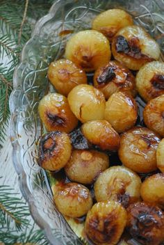 Sorelle in pentola: Cipolline caramellate Raw Food Recipes, Wine Recipes, Italian Recipes, Vegetarian Recipes, Cooking Recipes, Healthy Recipes, Antipasto, Good Food, Yummy Food