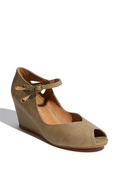 Nude Wedge. Need these for work.
