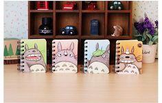 Bonito Cuaderno de bolsillo de Tapa Dura de Mi Vecino Totoro from Korapan World in España - Ahora puedes tener tu libreta de diario con un estilo original y único.  Ya sea para el uso Escolar o privado, ahora puedes enseñar tu libreta a  cualquiera y demostrar lo fan que eres de la película de Mi Vecino  Totoro.