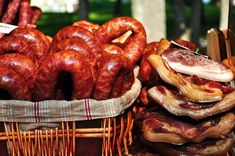 Smoked sausages and meat. Smoked sausages and flank meat , Romanian Food, Smoking Meat, Grubs, Sausage Recipes, Charcuterie, Sauce, Poultry, Good Food, Tasty