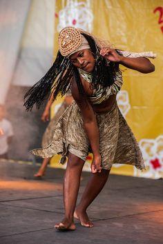 Apresentação de dança do Quilombo Axé, no Festival de Inverno de Garanhuns - Pernambuco